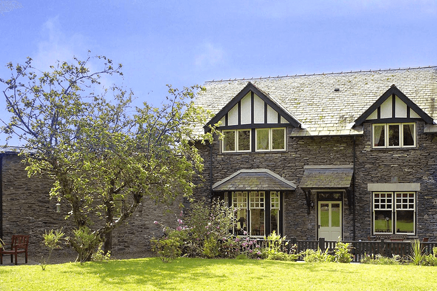 Pudding-Cottage_front-lakelovers-06