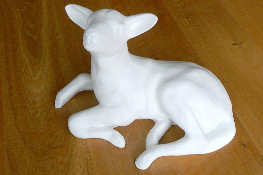Blank Calvert Trust 'GoHerdwick' lamb ready for unique artist handiwork - Herdwicks Easter Treasure Hunt